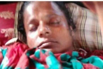 ডুমুরিয়া সন্ত্রাসী হামলায় আহত নারী হাসপাতালে মৃত্যুর সাথে লড়ছে